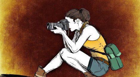 愛車を撮影する女性